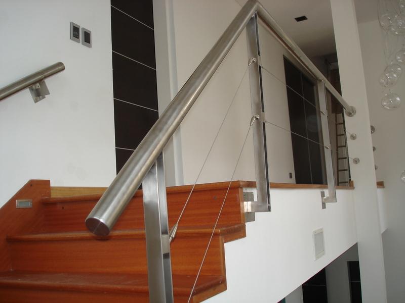 Barandas pasamanos escaleras dise o inoxidable - Baranda de escalera ...